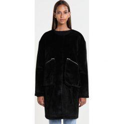 Płaszcze damskie pastelowe: JUST FEMALE HAMPTON  Krótki płaszcz black