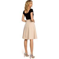 ALAINA Trapezowa spódnica długości do kolan - beżowa. Brązowe spódniczki trapezowe Moe, w geometryczne wzory, midi. Za 109,99 zł.