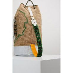 Vivienne Westwood DUFFLE BAG Plecak natural. Brązowe plecaki męskie Vivienne Westwood. Za 1009,00 zł.