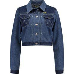 Wrangler by Peter Max WESTERN Kurtka jeansowa blue mix. Niebieskie bomberki damskie Wrangler by Peter Max, m, z bawełny. W wyprzedaży za 510,95 zł.