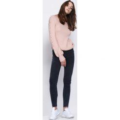 Swetry klasyczne damskie: Różowy Sweter Flying Uptight