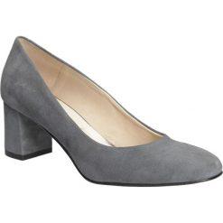 Czółenka welurowe na słupku Casu 1650. Szare buty ślubne damskie Casu, z weluru, na słupku. Za 239,99 zł.