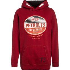 Petrol Industries HOODED Bluza z kapturem fire red. Białe bluzy chłopięce rozpinane marki Petrol Industries, z bawełny. Za 169,00 zł.