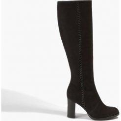 Buty zimowe damskie: Czarne kozaki na słupku
