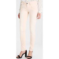 Freeman T. Porter ALEXA Jeansy Slim Fit rose. Niebieskie jeansy damskie marki Freeman T. Porter. Za 379,00 zł.
