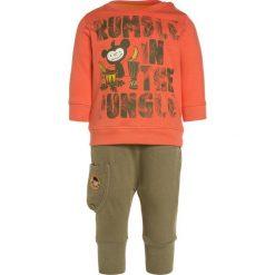 Gelati Kidswear JOGGER BABY SET  Bluza multicolor. Brązowe bluzy chłopięce marki bonprix, m, z nadrukiem, z polaru. Za 129,00 zł.