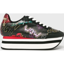 Desigual - Buty. Szare buty sportowe damskie marki Desigual, l, z tkaniny, casualowe, z długim rękawem. W wyprzedaży za 339,90 zł.