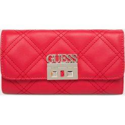 Guess Jeans - Portfel. Czerwone portfele damskie Guess Jeans, z aplikacjami, z jeansu. Za 279,90 zł.