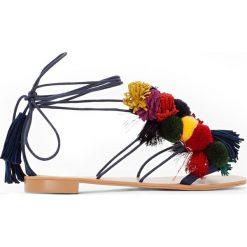Rzymianki damskie: Sandały z pomponami