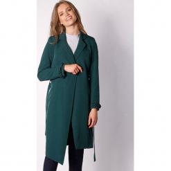 Płaszcz w kolorze ciemnozielonym. Zielone płaszcze damskie marki Last Past Now, xs, w paski. W wyprzedaży za 239,95 zł.