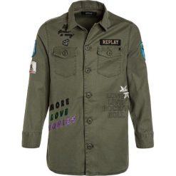 Replay Koszula green. Zielone bluzki dziewczęce bawełniane marki Replay. W wyprzedaży za 399,20 zł.