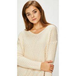 Pepe Jeans - Sweter. Szare swetry klasyczne damskie marki Pepe Jeans, l, z dzianiny. Za 299,90 zł.