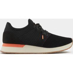 Botki damskie lity: Czarne buty sportowe z siateczką