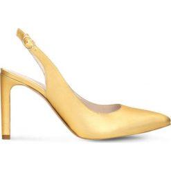 Czółenka FIORITA. Żółte buty ślubne damskie Gino Rossi, w paski, ze skóry, z otwartym noskiem. Za 199,90 zł.