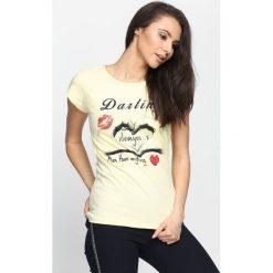 Żółty T-shirt From Love. Żółte bluzki damskie marki Mohito, l, z dzianiny. Za 9,99 zł.