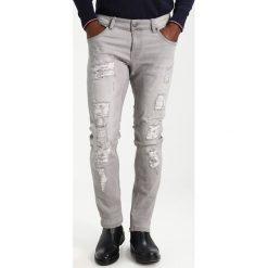 INDICODE JEANS NARVIK Jeansy Slim Fit light grey. Szare jeansy męskie relaxed fit marki INDICODE JEANS, z bawełny. Za 219,00 zł.