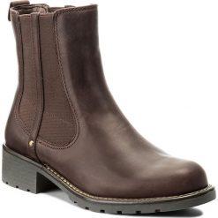 Sztyblety CLARKS - Orinoco Club 261020474 Burgundy Leather. Brązowe buty zimowe damskie Clarks, z materiału, na obcasie. W wyprzedaży za 289,00 zł.