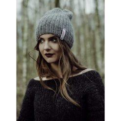 Wykonana ręcznie klasyczna czapka. Szare czapki zimowe damskie marki Pakamera. Za 149,00 zł.