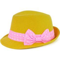 Kapelusz damski Groszek żółty. Żółte kapelusze damskie Art of Polo, w grochy. Za 28,94 zł.