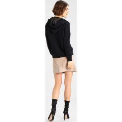 Bluzy rozpinane damskie: ONLY ONLKAROLINE EMBELLISHED Bluza z kapturem black