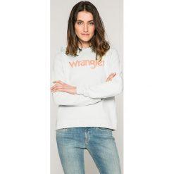 Wrangler - Bluza. Szare bluzy z kapturem damskie marki Wrangler, na co dzień, m, z nadrukiem, casualowe, z okrągłym kołnierzem, mini, proste. W wyprzedaży za 169,90 zł.