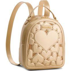 Plecak LOVE MOSCHINO - JC4050PP16LH0901  Oro. Żółte plecaki damskie Love Moschino, ze skóry ekologicznej, eleganckie. W wyprzedaży za 649,00 zł.