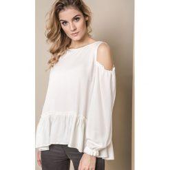 BLUZKA ONE ODKRYWAJĄCA RAMIONA BIAŁA. Białe bluzki damskie Yups, uniwersalny, z dzianiny, klasyczne, z klasycznym kołnierzykiem, z długim rękawem. Za 119,90 zł.