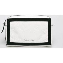 Calvin Klein - Torebka. Szare torebki klasyczne damskie marki Calvin Klein, w paski, z materiału, średnie. Za 449,90 zł.