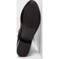 ALDO ELINNA Muszkieterki black. Czarne kowbojki damskie ALDO, z materiału. W wyprzedaży za 335,20 zł.