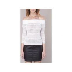 Swetry Guess  ZIFUZI. Białe swetry klasyczne damskie marki Guess, l. Za 231,20 zł.