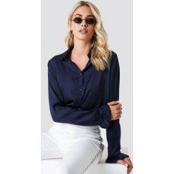 NA-KD Satynowa koszula - Blue,Navy. Niebieskie koszule wiązane damskie NA-KD, z materiału. Za 121,95 zł.