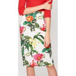 Spódniczki: Ołówkowa spódnica w kwiaty – Wielobarwn