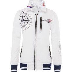 """Kurtka przeciwwiatrowa """"Hudson"""" w kolorze białym. Białe kurtki męskie Nebulus, s. W wyprzedaży za 186,95 zł."""