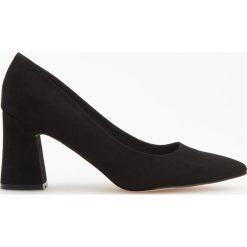 Czółenka na wysokim obcasie - Czarny. Białe buty ślubne damskie marki Reserved, l, z dzianiny. Za 99,99 zł.