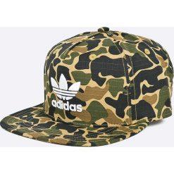 Adidas Originals - Czapka Camo Snb. Zielone czapki z daszkiem męskie adidas Originals, z bawełny. W wyprzedaży za 89,90 zł.