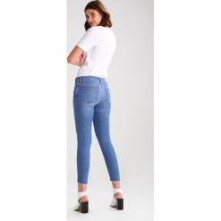 Mavi TESS Jeans Skinny Fit mid shaded blocking gold. Niebieskie boyfriendy damskie Mavi. W wyprzedaży za 247,20 zł.