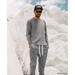 PIŻAMA męska z bawełny organicznej K2. Szare piżamy męskie Pakamera, m, z bawełny. Za 359,00 zł.