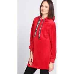 Czerwona Bluza Fluorescent. Czerwone bluzy z kapturem damskie Born2be, l. Za 74,99 zł.