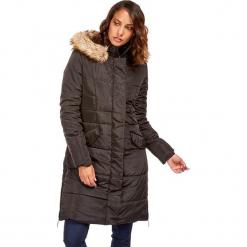 Płaszcz w kolorze czarnym. Czerwone płaszcze damskie zimowe marki Cropp, l. W wyprzedaży za 227,95 zł.