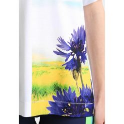 Topy sportowe damskie: adidas by Stella McCartney ESSENTIALS NATURE Tshirt z nadrukiem white