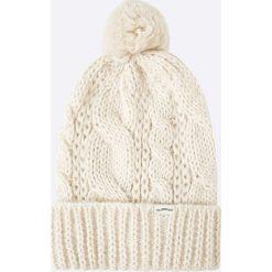 Levi's - Czapka. Brązowe czapki zimowe damskie Levi's®, na zimę, z dzianiny. Za 129,90 zł.