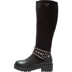 Laura Biagiotti Kozaki na platformie black. Czarne buty zimowe damskie marki Kazar, z futra, przed kolano, na wysokim obcasie, na koturnie. W wyprzedaży za 287,40 zł.
