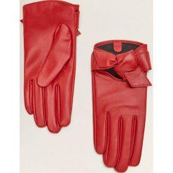Mango - Rękawiczki skórzane Mapi. Czerwone rękawiczki damskie Mango, z materiału. Za 89,90 zł.