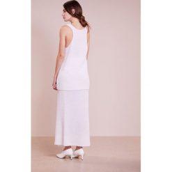 FTC Cashmere Długa spódnica pristine white. Białe długie spódnice FTC Cashmere, m, z kaszmiru. W wyprzedaży za 440,70 zł.