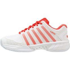 KSWISS HYPERCOURT EXPRESS Obuwie do tenisa Outdoor white/fiesta. Białe buty sportowe damskie marki K-SWISS. W wyprzedaży za 353,40 zł.