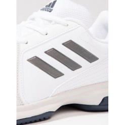 Adidas Performance APPROACH Obuwie multicourt white/night metallic/mystery ink. Białe buty do tenisa męskie adidas Performance, z gumy. W wyprzedaży za 199,20 zł.
