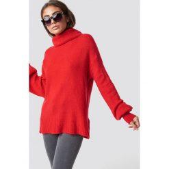 Luisa Lion x NA-KD Sweter z bufiastym rękawem - Red. Czerwone swetry oversize damskie Luisa Lion x NA-KD, z dzianiny. Za 161,95 zł.