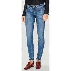 Pepe Jeans - Jeansy Pixie x Wiser Wash. Niebieskie jeansy damskie rurki Pepe Jeans, z bawełny. Za 399,90 zł.