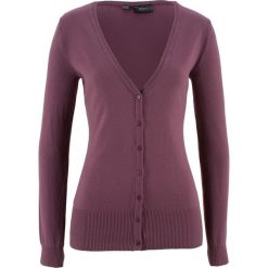 Sweter rozpinany bonprix matowy jeżynowy. Fioletowe swetry rozpinane damskie marki bonprix, z dzianiny. Za 59,99 zł.