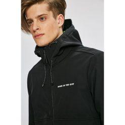 Bench - Kurtka. Czarne kurtki męskie przejściowe marki Bench, l, z elastanu, z kapturem. W wyprzedaży za 299,90 zł.